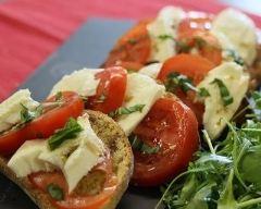Recette bruschetta aux tomates et à la mozzarella