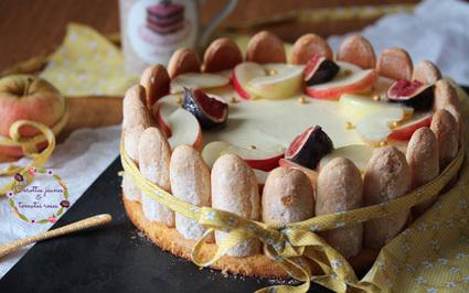 Recette de charlotte pomme, caramel de beurre salé et vanille