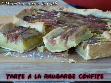 Recette de tarte à la rhubarbe confite