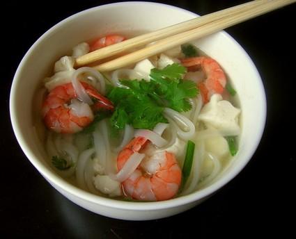 Recette de pho aux crevettes et au tofu express