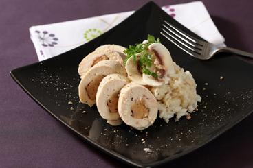 Recette de moelleux de volaille farci au foie gras, risotto au bouillon ...