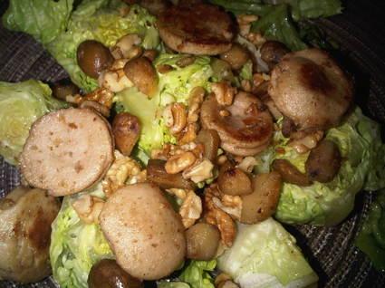 Recette de salade au boudin blanc, marrons et noix