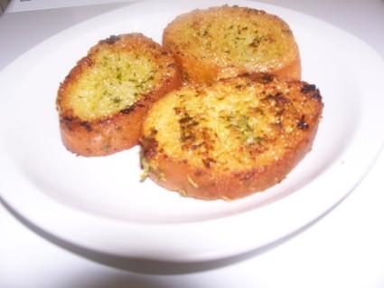 Recette de toasts grillés à l'ail