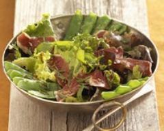 Recette salade de pois gourmands et canard fumé