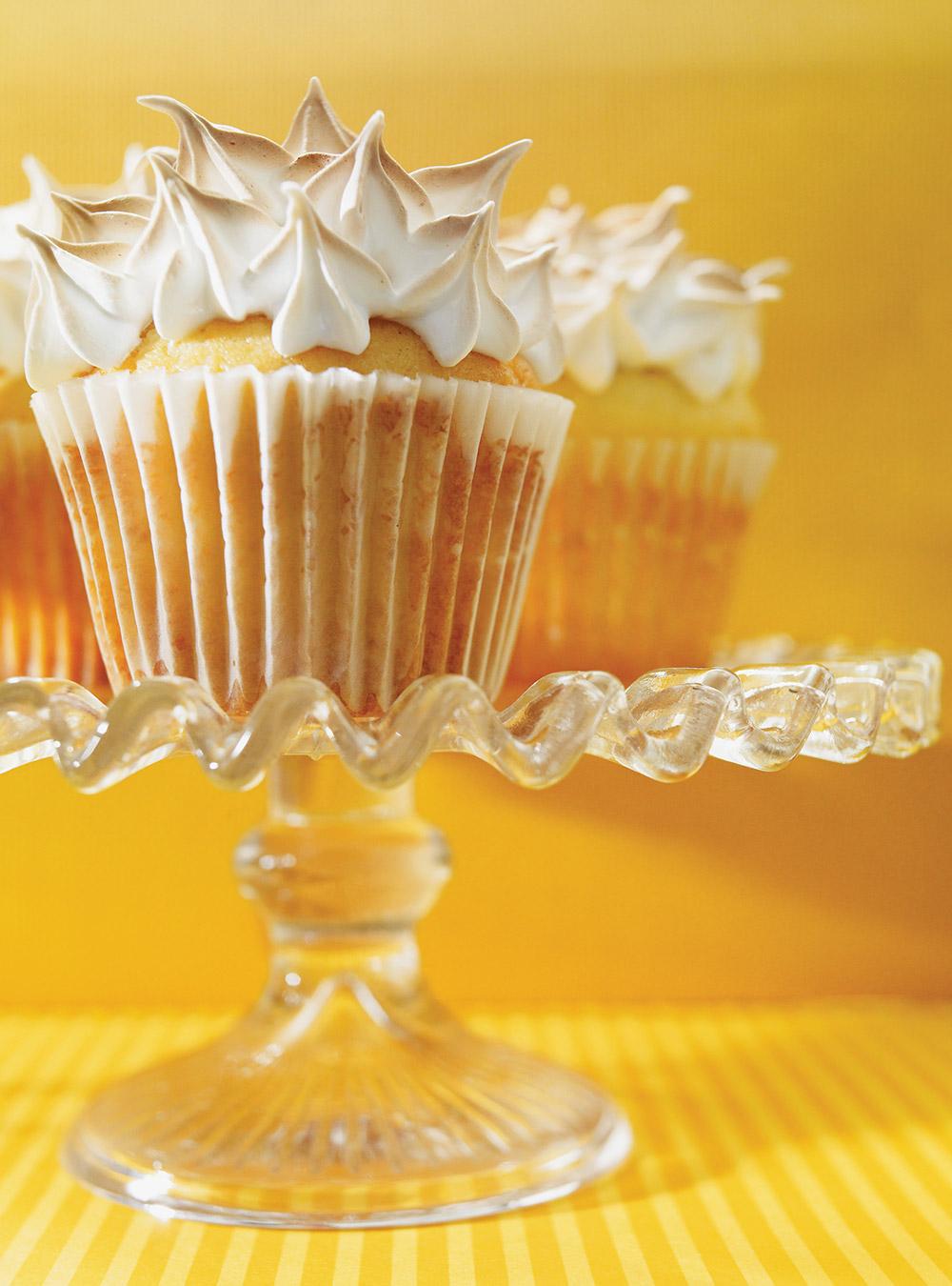 Cupcakes meringués fourrés au citron | ricardo