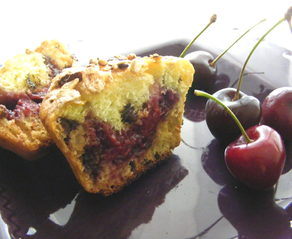 Recette de muffins pistache et chocolat, coeur de cerises