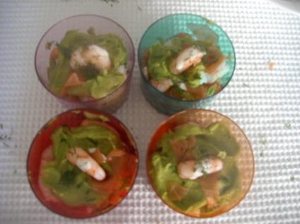 Recette de verrines de crevettes, avocat et saumon fumé