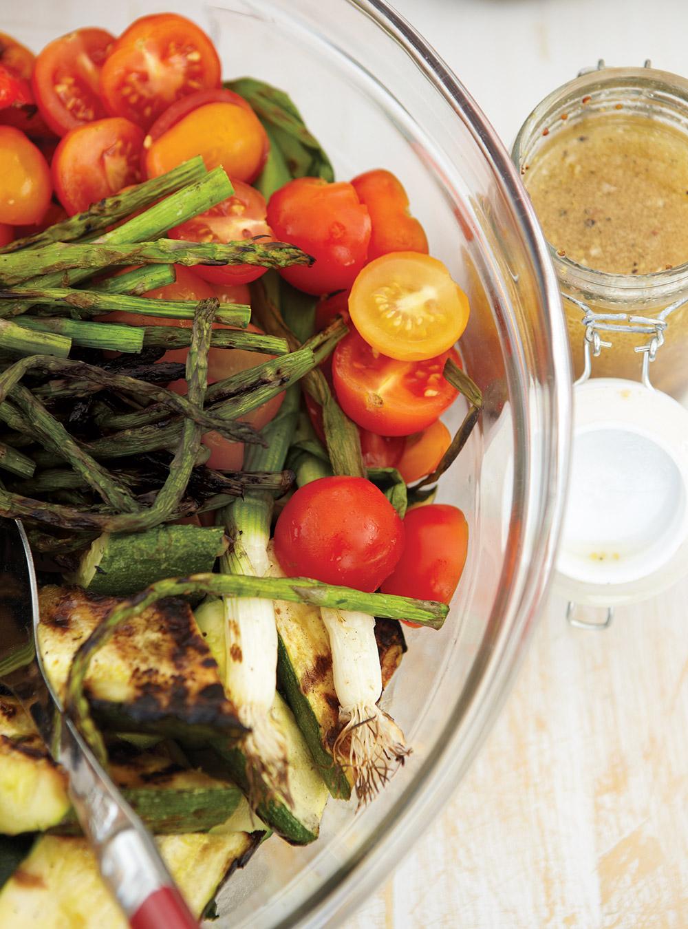 Salade de légumes grillés à l'ail | ricardo