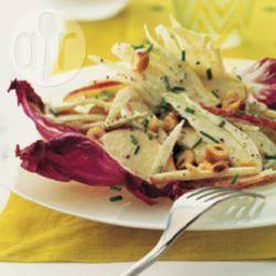 Recette salade de pommes et fenouil aux noisettes, sauce au ...