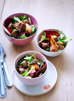 Recette de salade tiède au foie de veau laqué au miel
