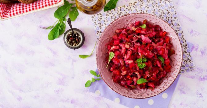 Recette de salade de betterave et de pommes de terre à l'oeuf dur