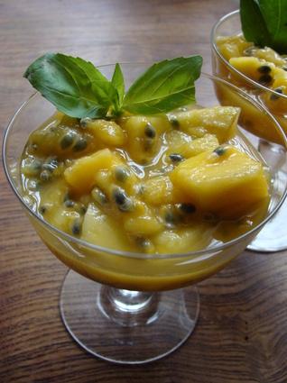 Recette de salade de mangues au basilic et fruits de la passion