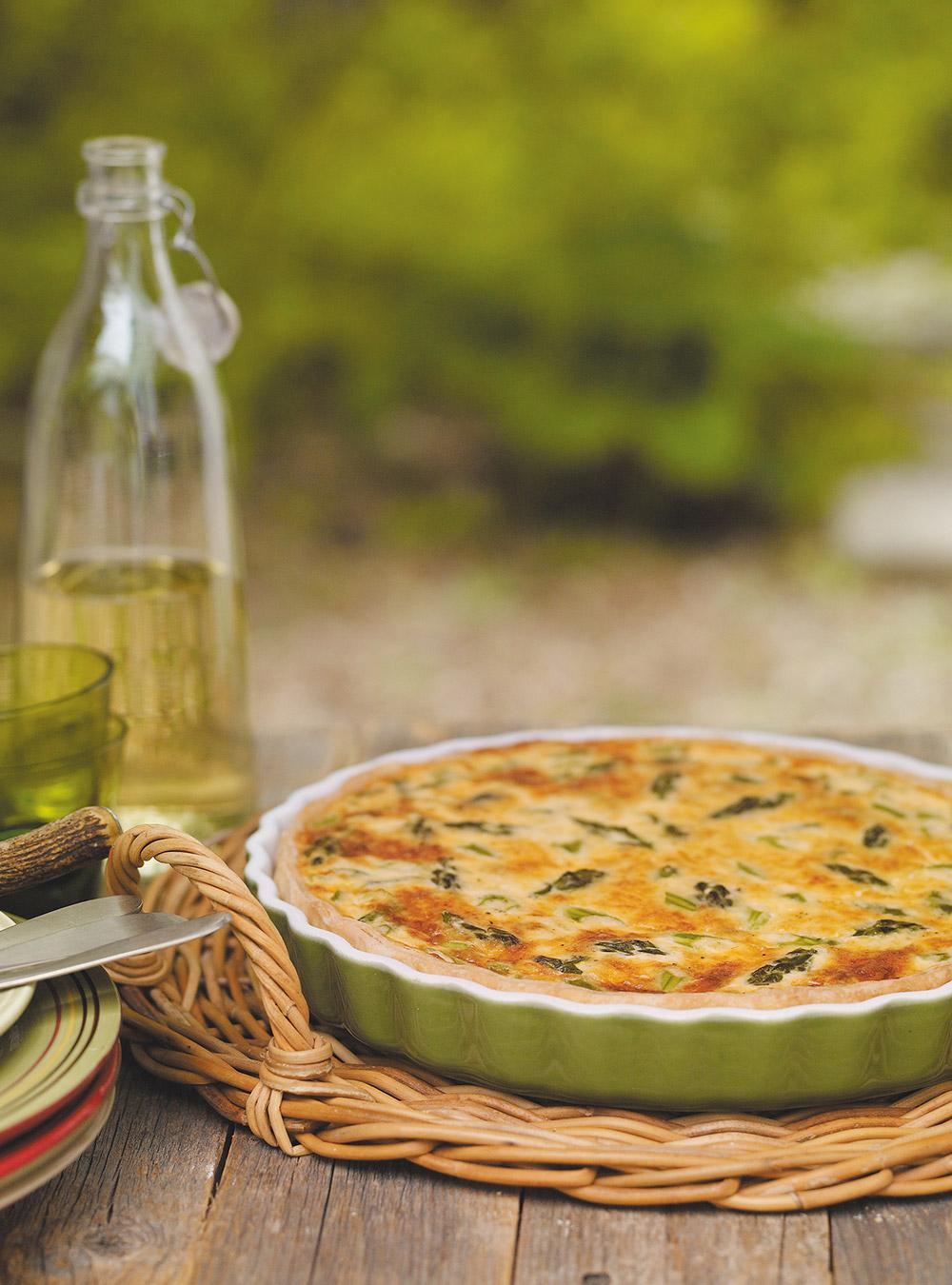 Quiche aux asperges et au fromage valbert | ricardo