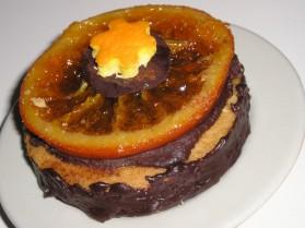 Biscuits en pain d'épice au chocolat sur tranches d'oranges confites ...