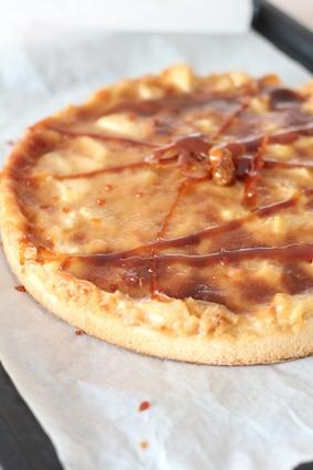 Recette de tarte aux pommes, caramel et poudre d'amandes