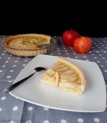 Recette de tarte aux pommes sur lit de compote