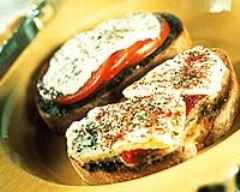 Recette toasts aux tomates, endives et gruyère