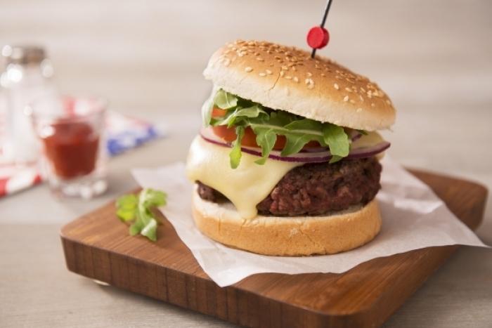 Recette de burger de bœuf montagnard et mesclun rapide