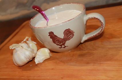 Recette de sauce à l'ail à base de lait
