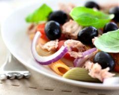 Recette salade de pâtes au thon et oignon rouge