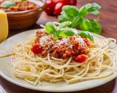 Recette spaghettis à la bolognaise au vin