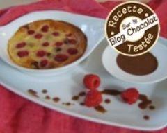 Recette clafoutis aux framboises et son coulis de chocolat gourmand