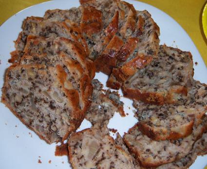Recette de cake aux poires, roquefort et noix