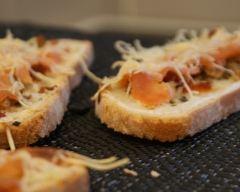 Recette tartine aux tomates séchées et saumon fumé