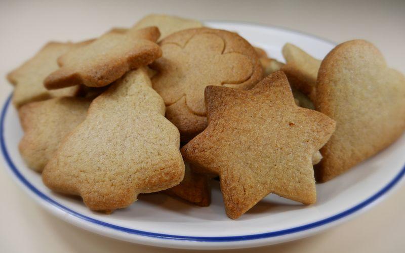 Recette Biscuits De Noel A La Cannelle Pas Chere Et Simple Cuisine