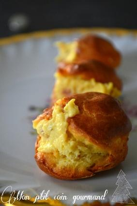 Recette de petits choux fourrés à la pancetta, œufs durs et ...