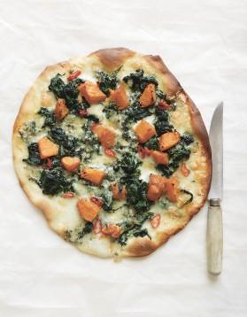 Pizza au potiron, au bleu et aux épinards de trish deseine pour 4 ...