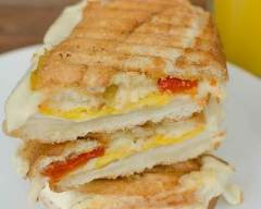 Recette panini aux oeufs brouillés