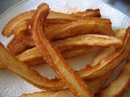 Recette de chichis à la fleur d'oranger (churros)