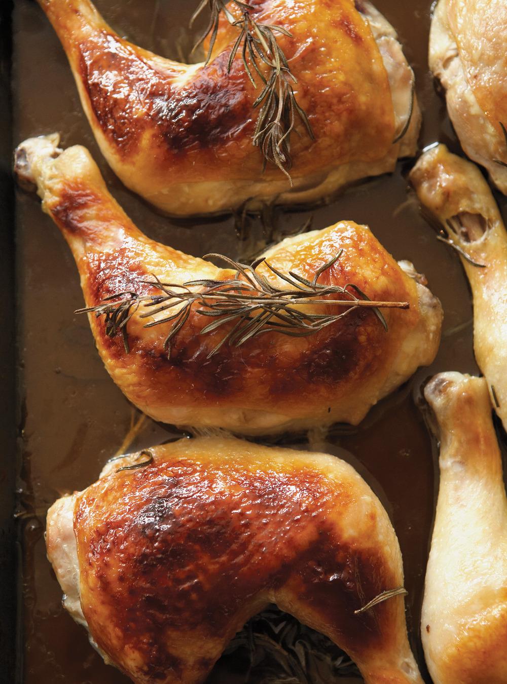Cuisses de poulet au miel et au romarin | ricardo