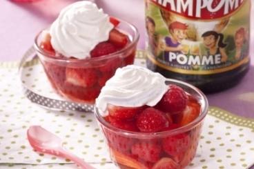 Recette de nage de fraises au champomy, chantilly à la vanille ...
