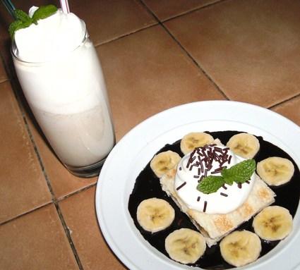 Recette de croques et milk-shake banane sur coulis de chocolat