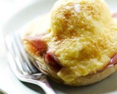 Recette oeuf gratiné au jambon sur blinis