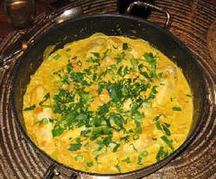 Curry de poulet au lait de coco et poivrons