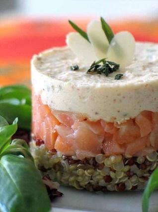 Recette de quinoa au saumon fumé et mousse d'amande