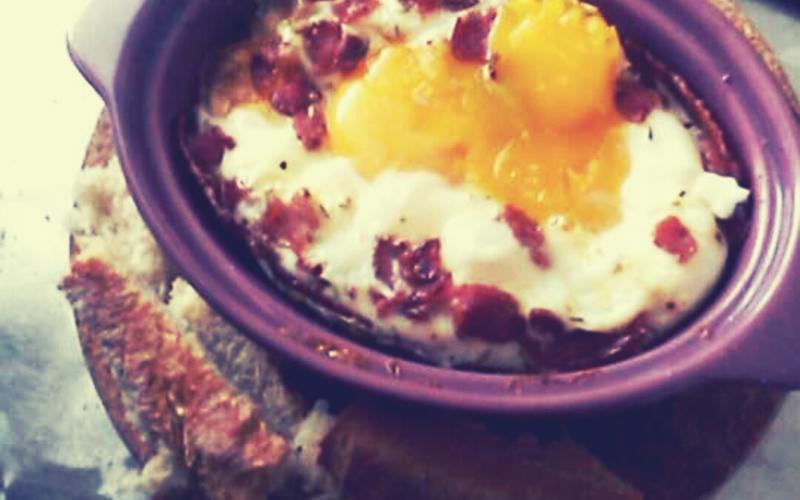 Recette oeufs cocotte au bacon pas chère et simple > cuisine ...