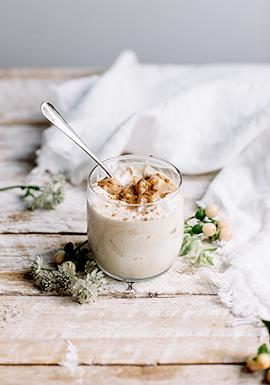 Mousse glacée au chocolat blanc, aux épices d'automne & aux ...