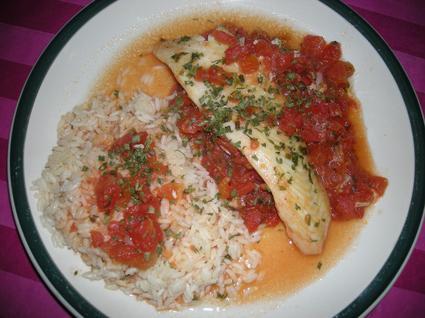 Recette de filet de poisson poché à la tomate