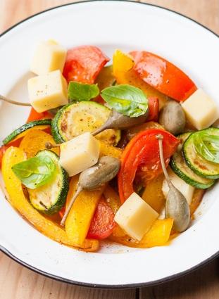 Salade de calamars pour antipasti italiens la recette - Antipasti legumes grilles ...