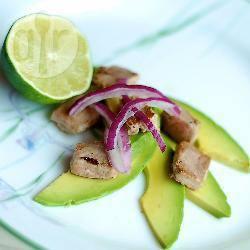 Recette dés de thon à l'avocat et au citron vert – toutes les recettes ...