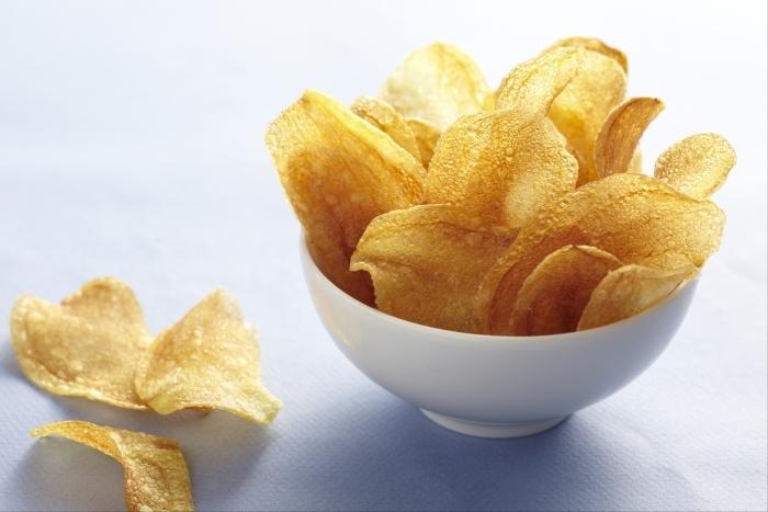 Recette de chips maison de pommes de terre rapide