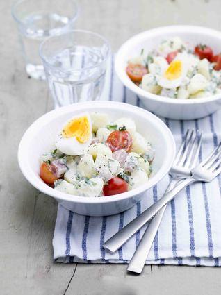 Recette de œuf mollet, pommes de terre aux herbes et parmesan ...