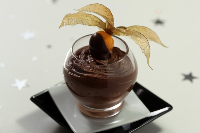 Recette de verrine chocolat noir, citron vert et physalis rapide
