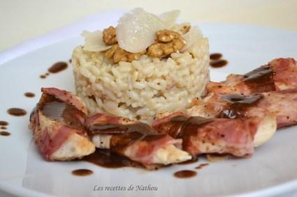 Poulet à la pancetta, risotto aux noix et parmesan, sauce au ...