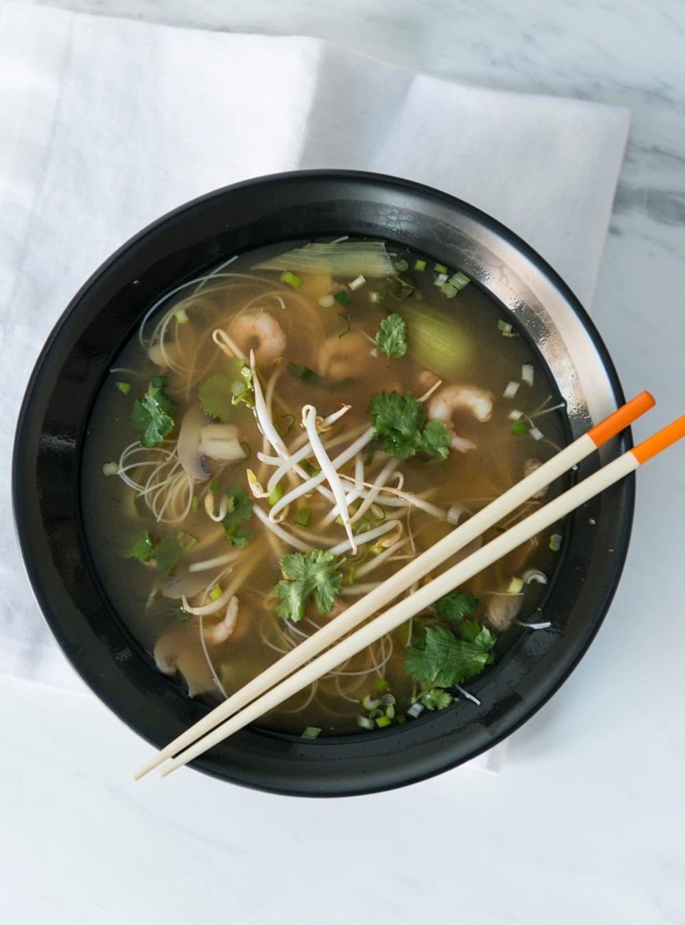 Soupe asiatique à la coriandre | ricardo