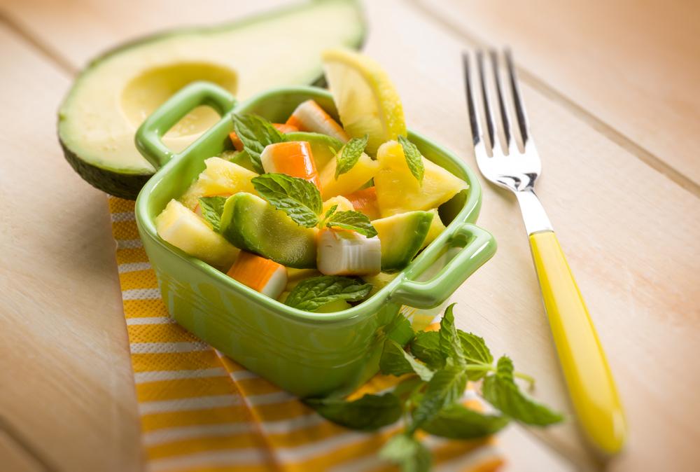 recette de salade fraiche avocat et surimi express recette. Black Bedroom Furniture Sets. Home Design Ideas